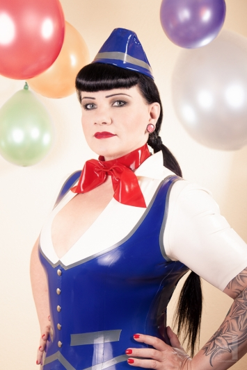 Latex Halstuch Hot Stewardess