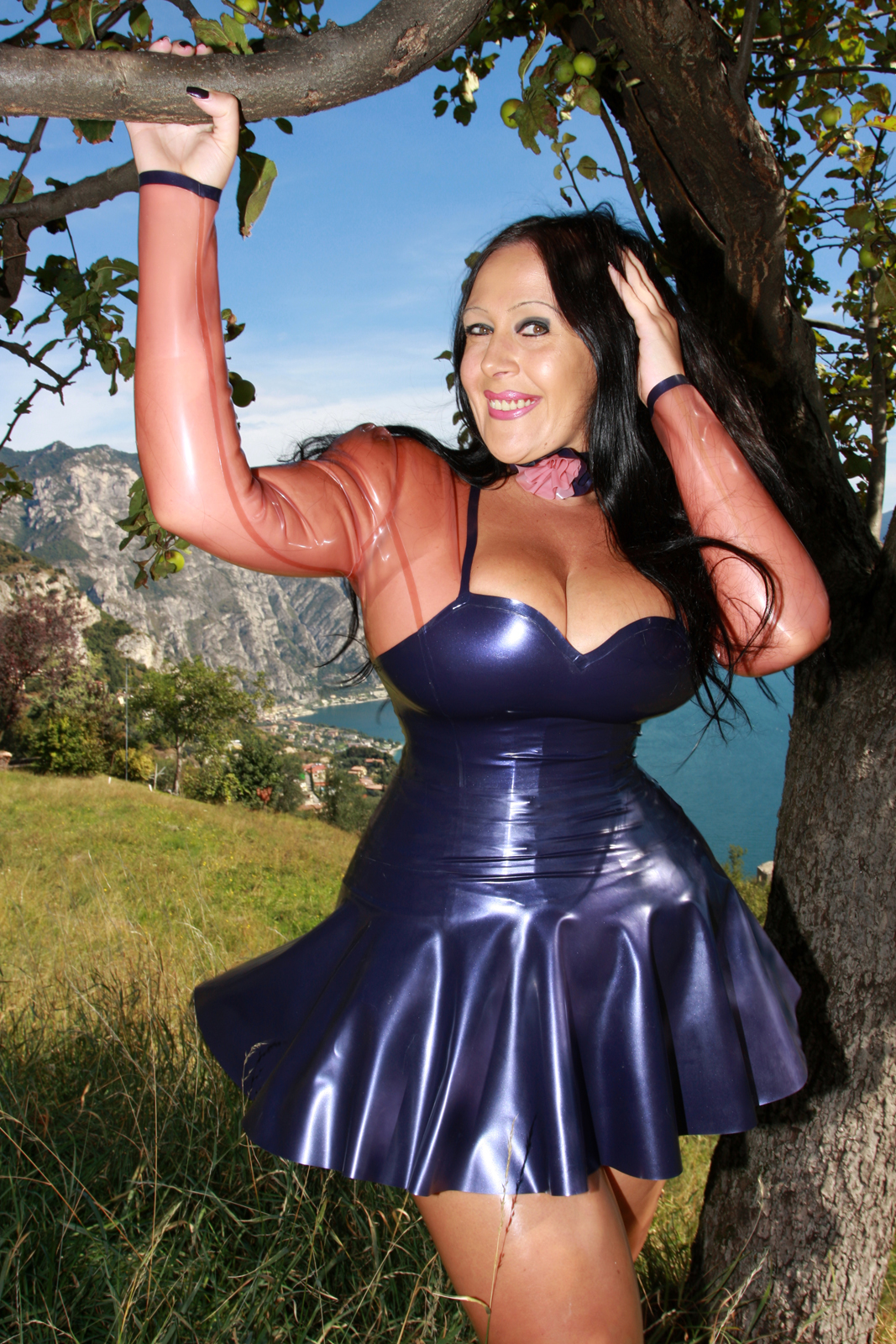 swinger ferien dirndl latex